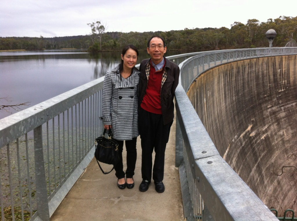 The amazing Whispering Wall barossa valley tour